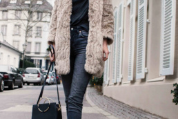 Faux Fur coat Vero Moda Topshop Boots H&M highwaist jeans | Fancyflare