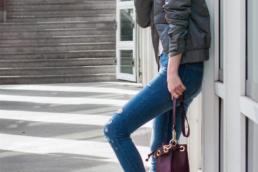 COS Sneaker Zara Ripped Jeans Bomberjacket | Fancyflare German Blogger